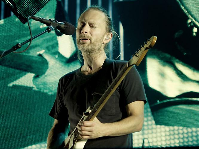 radiohead performs 061012