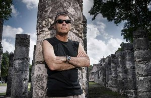 bruce-dickinson-the-book-of-souls-mexico-mayans-2015-5